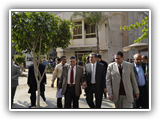 رئيس جامعة بنها يتفقد سير الامتحانات بكلية الهندسة بشبرا