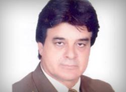 الأستاذ الدكتور/ حسين درى أباظة - عميداً لكلية التربية الرياضية