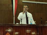 إجتماع أ.د/ علي شمس الدين بالعاملين بالجامعة