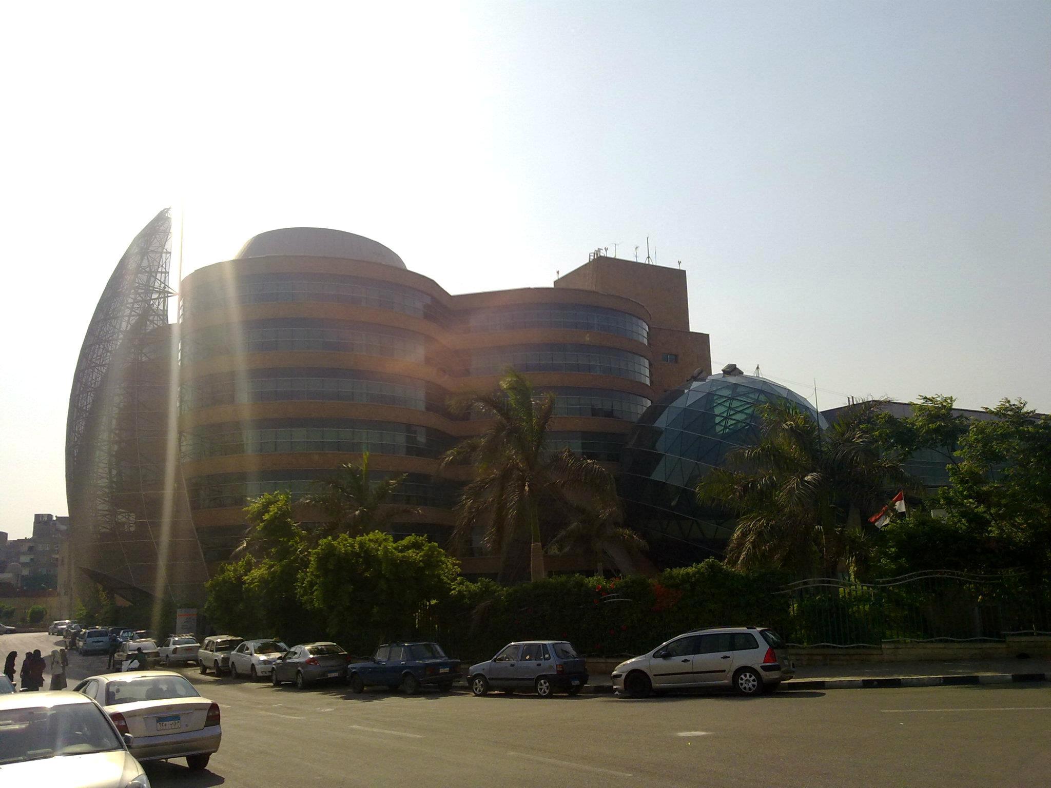 اللجنة الإجتماعية ومبادرة لمسة خير تنظم زيارة لمستشفى 57357 لعلاج سرطان الأطفال