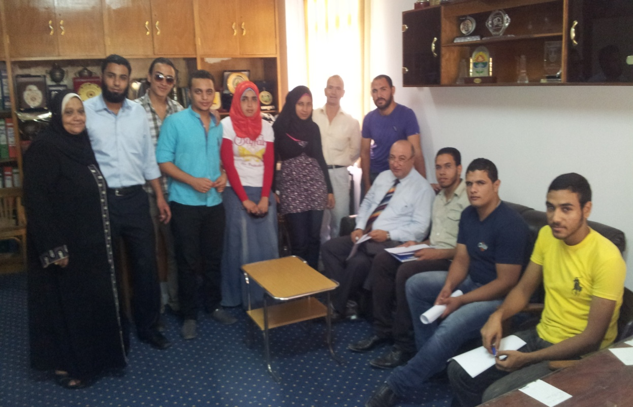 إجتماع رعاية الشباب مع رؤساء المبادرات الطلابية بالجامعة