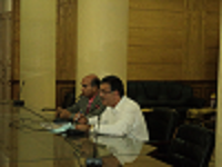 إجتماع رئيس جامعة بنها لمناقشة مطالب العاملين