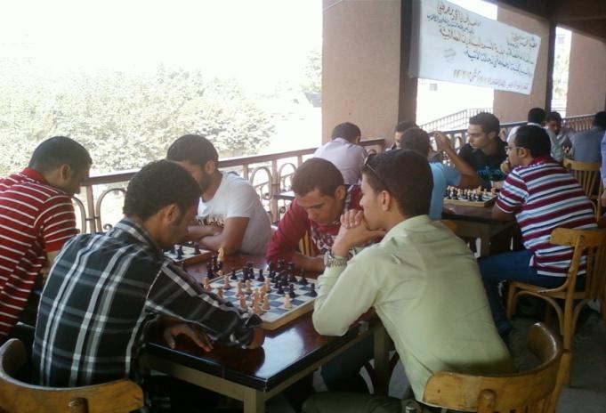 دوري الأسر الطلابية في مجال ( الشطرنج )