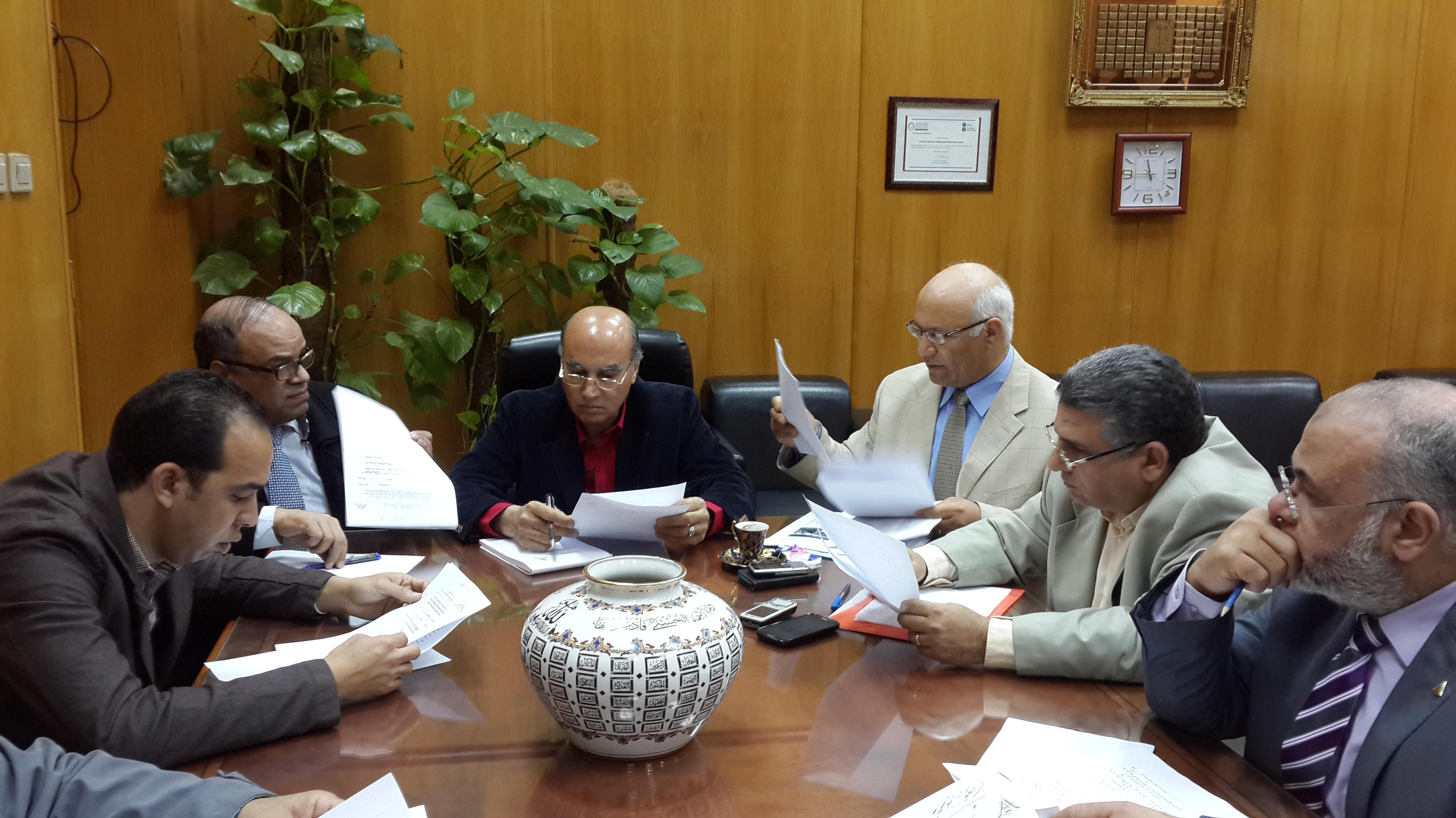 تشكيل اللجنة العليا لمواجهة الإنفلونزا الموسمية H1N1
