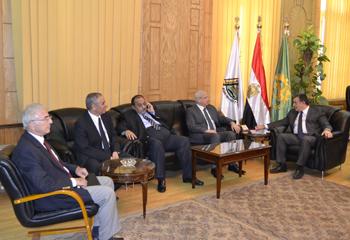 رئيس جامعة بنها يستقبل وزير التعليم العالي ومحافظ القليوبية