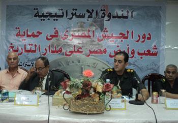 دور الجيش المصري في حماية مصر في ندوة لطلاب بنها