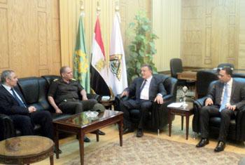 رئيس جامعة بنها: يؤكد على الدور الوطني للقوات المسلحة والشرطة في حماية الوطن والحفاظ على المؤسسات