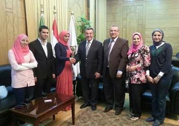 رئيس الجامعة يكرم الأولى على تمريض بنها وكليات التمريض بالجامعات المصرية