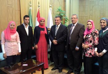 رئيس جامعة بنها يكرم الأولى على قطاع التمريض بالجامعات المصرية
