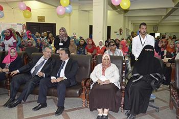 إقبالا كبيرا من الطلاب في ثانى أيام الدراسة بجامعة بنها والتمريض تنظم حفلا لاستقبال الطلاب الجديد