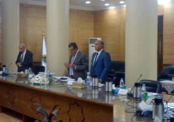 مجلس جامعة بنها ينعى شهداء سيناء ويؤكد على دور الوطنى للقوات المسلحة فى حماية الوطن