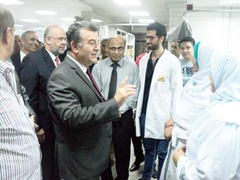 رئيس جامعة بنها يؤكد على احترام رئيس الوزراء لمهنة التمريض وتقديره لها