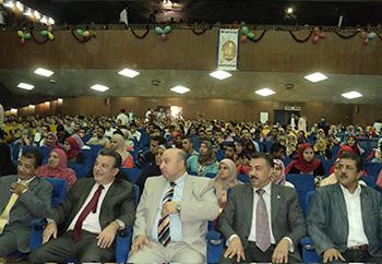 رئيس جامعة بنها للطلاب: وجهات النظر والإختلاف السياسى مقبولة فى اطار القانون والقيم الجامعية