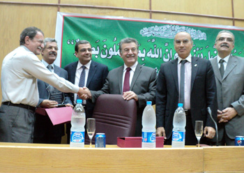 The Faculty of Medicine honors Prof. Dr. Hesham Abu El Enin