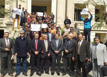 وقفة تضامنية مع أسر الشهداء الذين سقطوا فى ليبيا بجامعة بنها