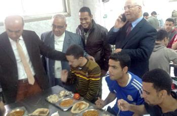 زيارة أبوية تفقدية لنائب شئون التعليم والطلاب للمدن الجامعية بكفر سعد