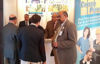 إستمرار التوافد علي جناح الجامعة في معرض الخليج الخامس للتعليم الإمارات العربية المتحدة