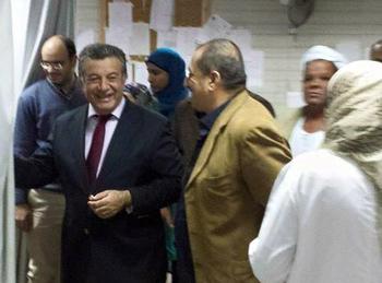 رئيس جامعة بنها يتفقد المستشفى الجامعي بعد منتصف الليل