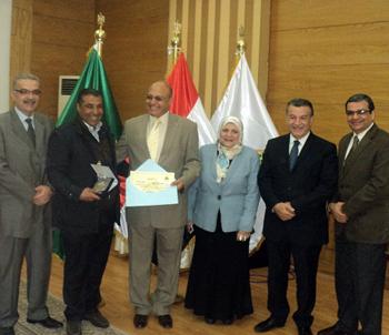 Benha University President honors Qalyoubia Security Director