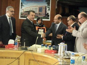 رئيس جامعة بنها: الانغلاق أهم التهديدات التى تواجه الجامعات المصرية ضرورة تبنى المعايير الدولية في التعليم العالي