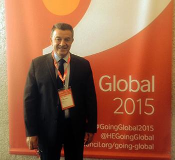 Le professeur Ali Shams El Din Président de l'Université de Benha: la construction d'une stratégie et des programmes communs pour des doubles certificats avec le côté britannique