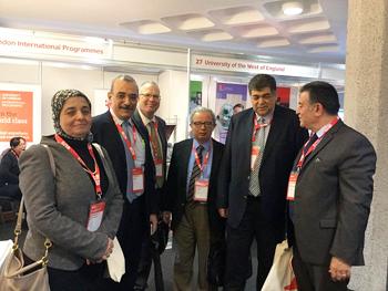 La continuation des efficacités de la conférence de l'enseignement supérieur en Grande-Bretagne avec la présence de quatre universités égyptiennes