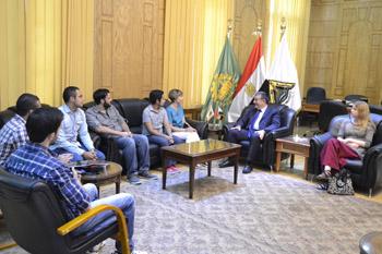 رئيس جامعة بنها يستقبل وفدا طلابيا من جامعات المكسيك وروسيا والنمسا