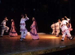 جامعة بنها تشارك محافظة القليوبية في الإحتفالات بالعيد القومي