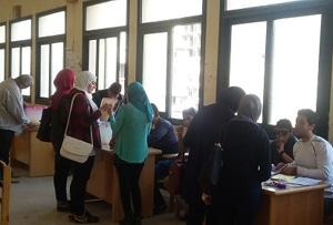 إقبال كبير من الطالبات على إنتخابات إتحاد الطلاب بكليات جامعة بنها
