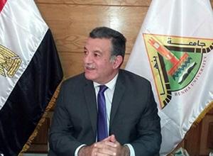رئيس جامعة بنها في لقاء مع شباب الباحثين