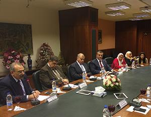 Un Salon sur le futur du développement de l 'enseignement supérieur en Egypte, dans l 'établissement d 'Al-Ahram.