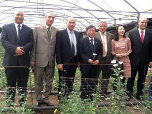 رئيس جامعة شيان ورئيس اتحاد جامعات دول طريق الحرير بكلية الزراعة بمشتهر