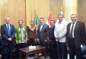 Benha University President meets a Delegation from the Embassy of Indonesia