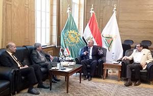 جامعة بنها تناقش تنظيم أول منتدى عربى للتعليم العالى للإستفادة من تبادل الخبرات بين الدول
