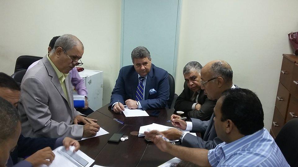 خلال جولته بهندسة شبرا .. رئيس جامعة بنها يطالب بالتوسع فى البرامج الجديدة لخدمة المشروعات القومية الكبرى