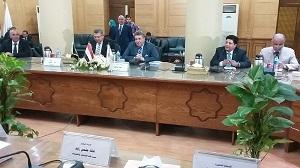 Le Président de l'Université de Benha visite la Faculté de l'ingénierie de Shubra Université de Benha et reçoit les nouveaux étudiants.