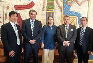 Le Président de l'Université de Benha rencontre une délégation de l'Université chinoise des études internationales