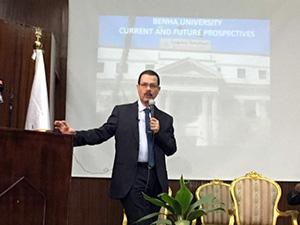 الدكتور احمد درويش .. مشروع محور قناة السويس يعد الاهم فى تاريخ مصر الحديثة