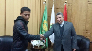 "The university president hosts the son of ""El-Harm"" Ambush Martyr"