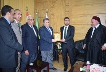 Benha university president hosts the head of the Libyan student union and the Egyptian- Libyan tribe's coordinator