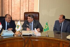 القاضي يلتقي برئيس جامعة السادات