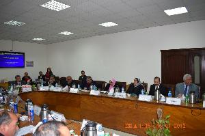 Le président de l'Université de Banha lance la première initiative de e-learning au sein de l'université.