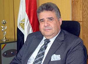 رئيس جامعة بنها يتسلم خطة الجامعة الإستراتيجية 2017 : 2022