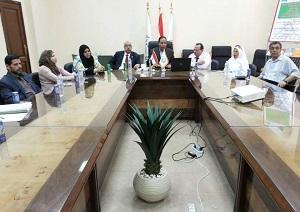 Une réunion d'urgence du Conseil de la Faculté des sciences en présence du directeur de la planification stratégique de l'Université de Benha pour examiner le Plan stratégique 2017-2022.