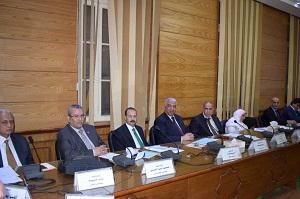 رئيس جامعة بنها يطالب بتقرير إسبوعي عن أداء المستشفيات الجامعية