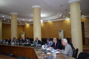 Le professeur Elsayed Elkaddi cherche les dispositions finales pour la deuxième Conférence internationale égypto-chinoise.