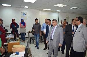 في زيارته لمركز نظم المعلومات الإدارية:القاضي يدعم المركز بكل الإمكانيات