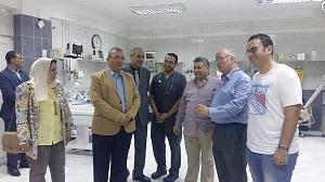 Une visite du président de l'Université pour les hôpitaux universitaires de l'Université de Banha.