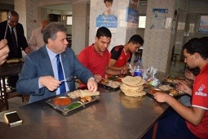 """Excellent hostels and fewer complaints: is the motto of the university president's visit to the university hostels"