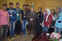 Benha university president hosts several students and urges them to fight corruption